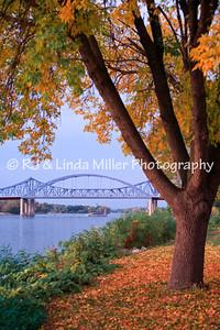 RJLM_WI LAX  _40186  Cass Street Bridge  2008-10