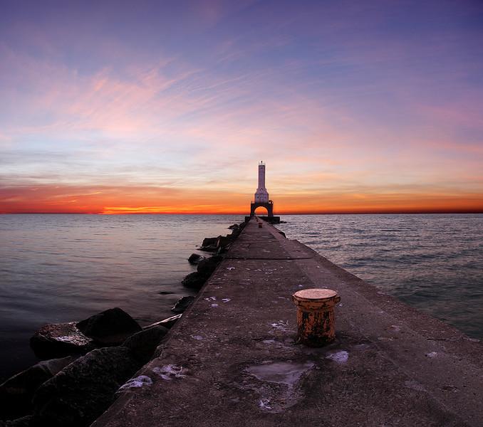 Port Washington Pierhead Lighthouse (Port Washington, WI)