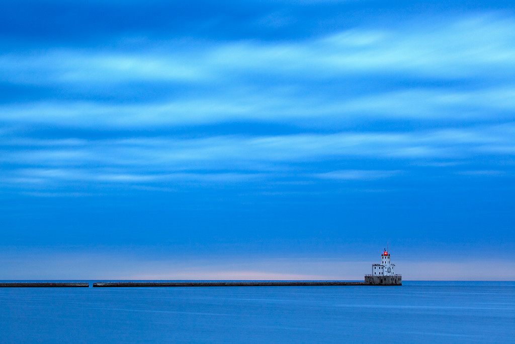 Withholding Light - Milwaukee Breakwater Lighthouse (Milwaukee, WI)