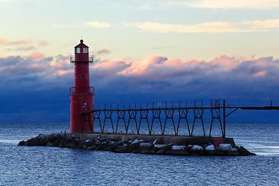 Migrating Light - Algoma Pierhead Lighthouse (Algoma, WI)