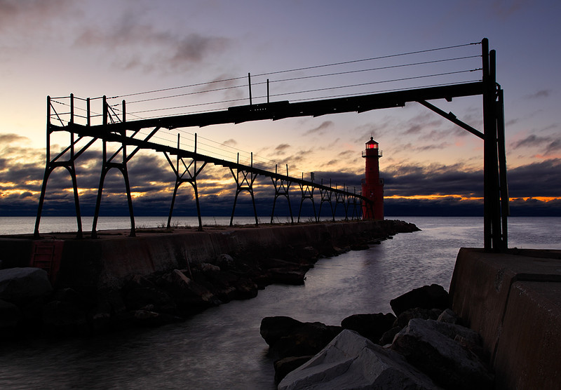 Fisherman's Light - Algoma Pierhead Lighthouse (Algoma, WI)