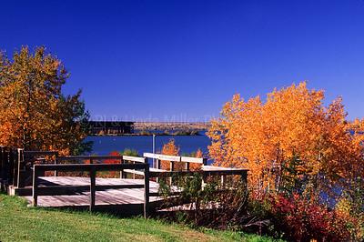 WI048399-01 Ashland - Deck - Fall Color
