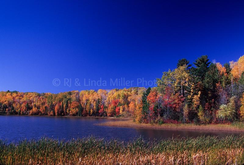 WI048405-01 Ashland - White River - Fall