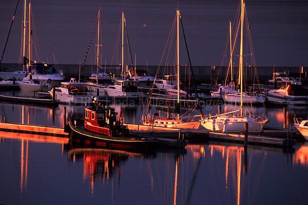 WI048415-00 Ashland - Tug Boat