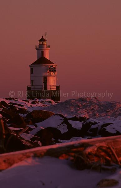 Douglas County, Wisconsin, Superior Breakwater Light