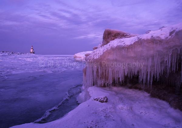 Douglas County, Wisconsin , Superior Breakwater Light