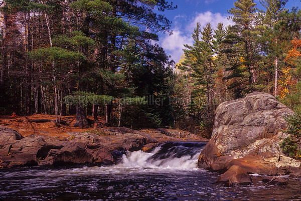 WI047002 Marinetted - 8 Foot Falls