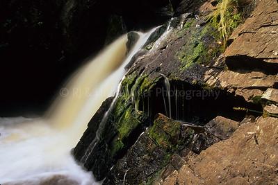 WI024495 Marinette - Long Slide Falls