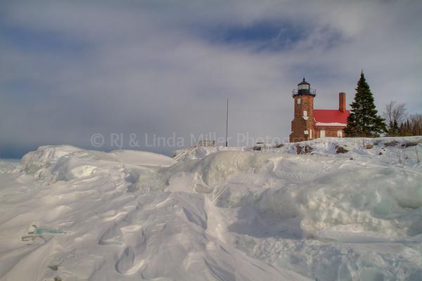 107033 Sand Island Lighthouse, Ice Formations, Apostle Island National Lakeshore, Lake Superior, Wisconsin