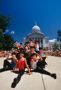 46302 WI Capital Building & Dancers