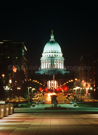 49904 WI Capital Building at Night
