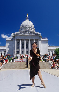 46206 WI State Capital Building - Dancer