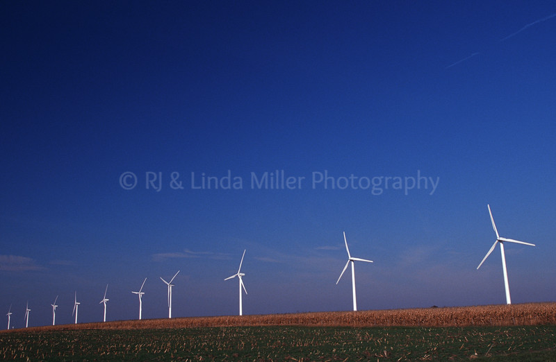 WI049108 Iowa - Windmill Farm