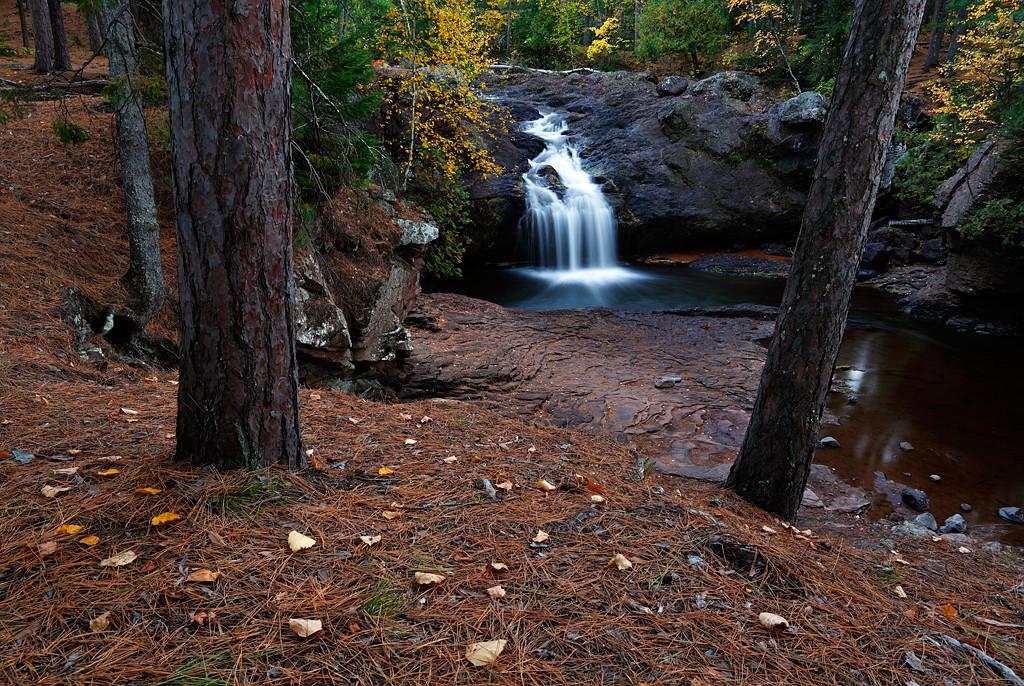 Thread The Needle - Upper Amnicon Falls (Amnicon Falls State Park - Wisconsin)
