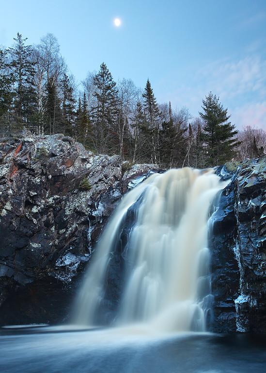 Moonshine II - Little Manitou Falls (Pattison State Park - Wisconsin)