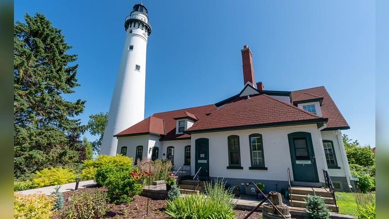 2019 Wisconsin: Wisconsin Lighthouse Photo Slideshow