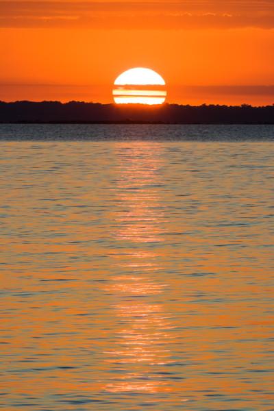 Sturgeon Bay setting sun. Sturgeon Bay, WI<br /> <br /> WI-080830-0164