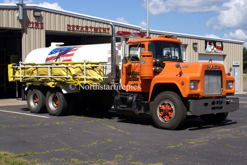 Cumberland WT-442<br /> 1988 Mack R-600/River Bend   3000 GWT