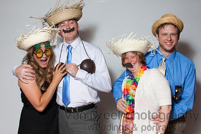 Wedding_Photo_Booth-April_and_Jered-028
