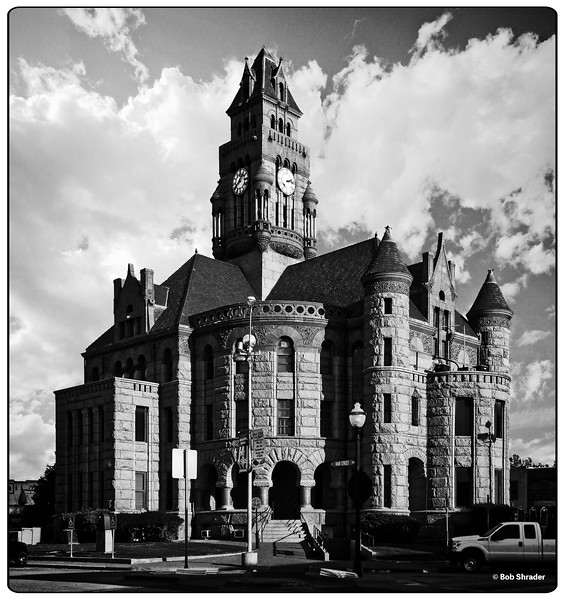 Wise County Courthouse in B&W