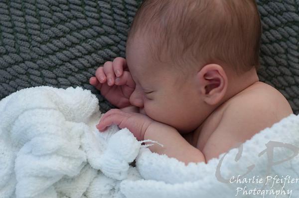 Parker_Newborn_234-proof
