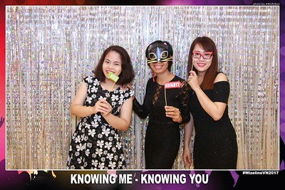 Wizeline-Vietnam-Year-End-Party-Photobooth-by-WefieBox-01