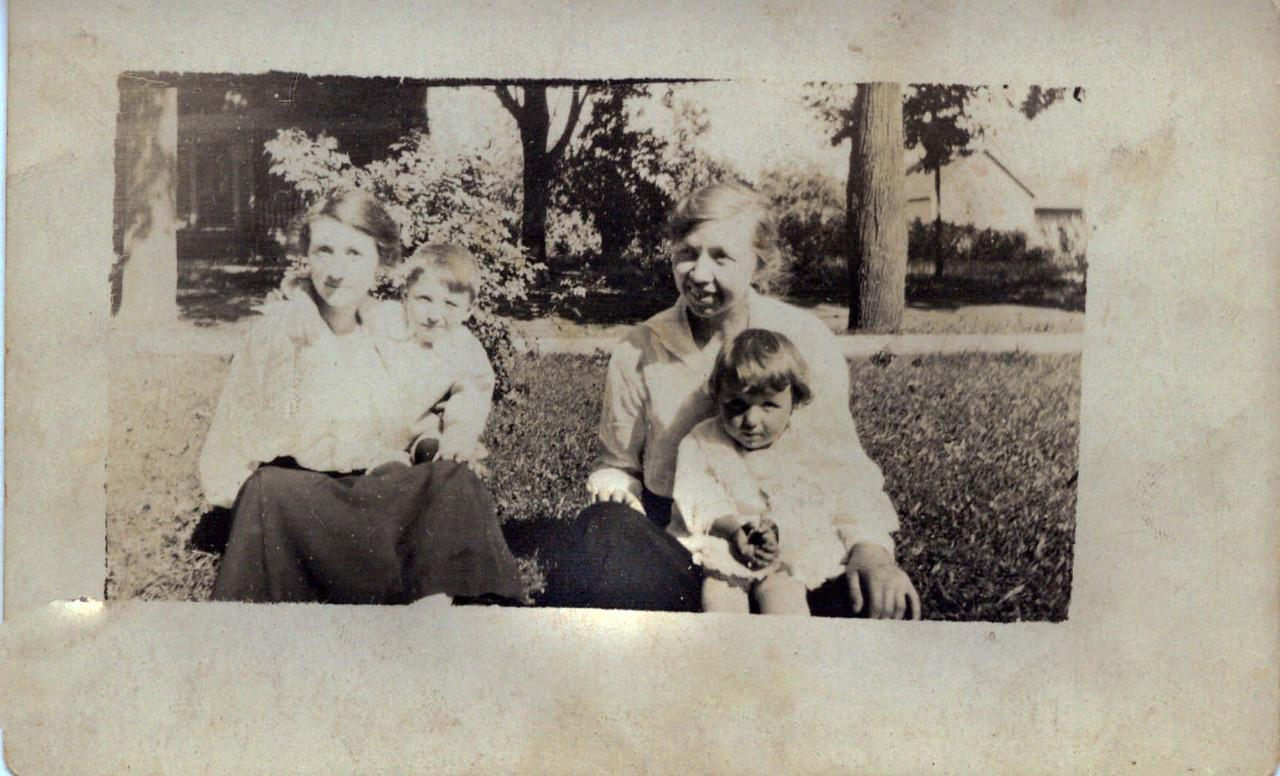 Elizabeth, Harold Anne and Wilma Wolff