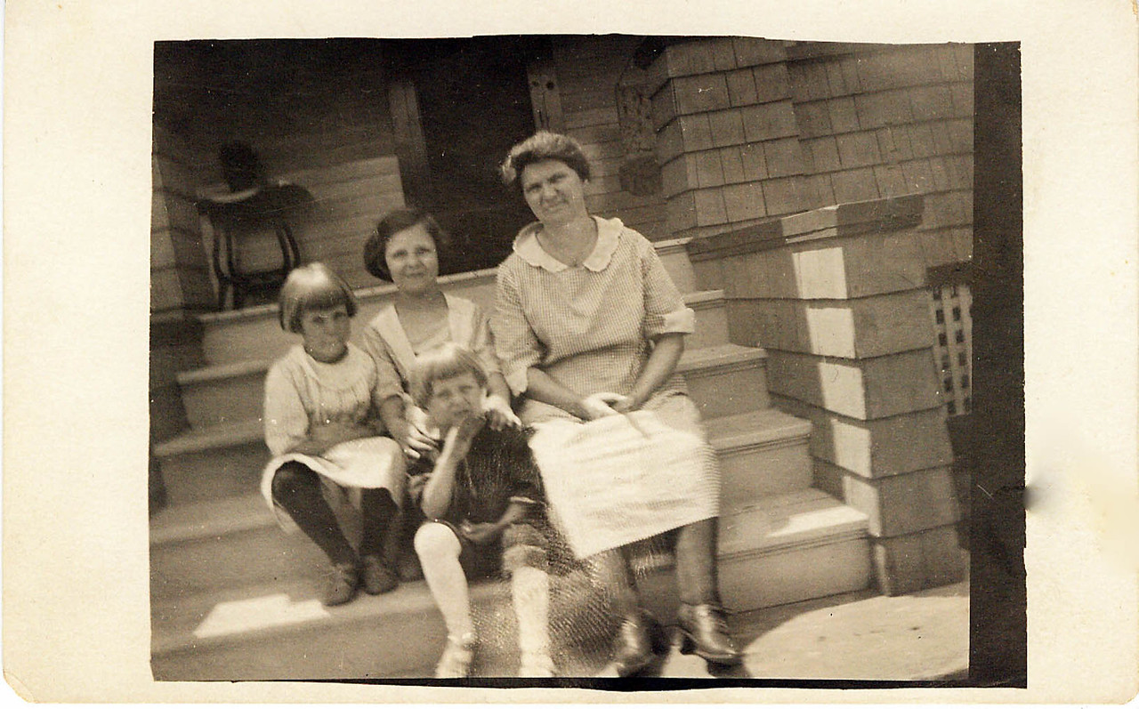 Winn, Helen, Wilma and Jessie Wolff