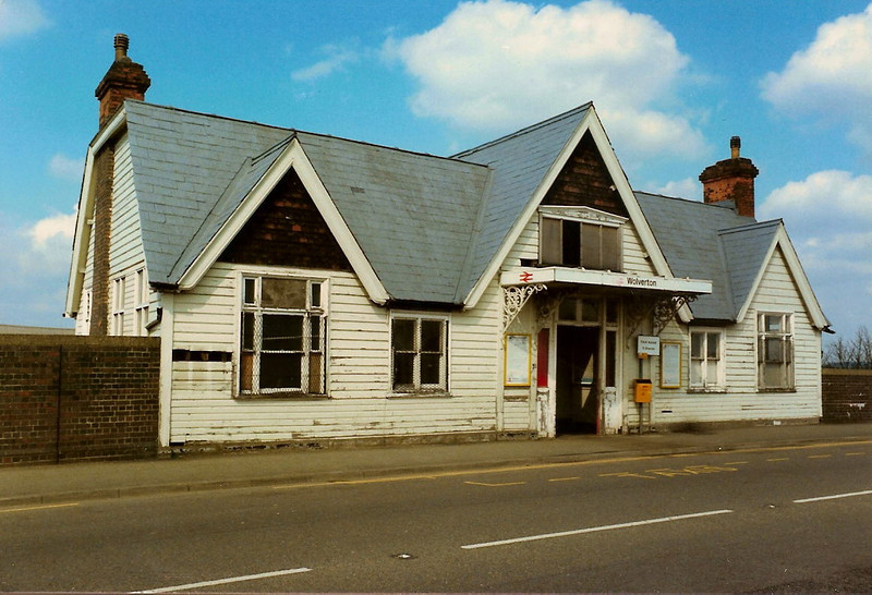 The front view of the long lost and much missed Wolverton Station building taken on 5 April 1987.