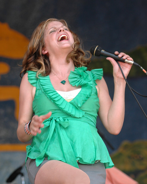 Theresa Andersson performs live at the New Orleans Jazz & Heritage Festival on April 29, 2007.