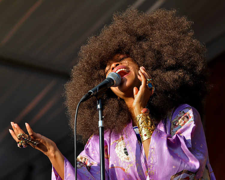 Erykah Badu performing live at the New Orleans Jazz & Heritage Festival on April 25, 2009.
