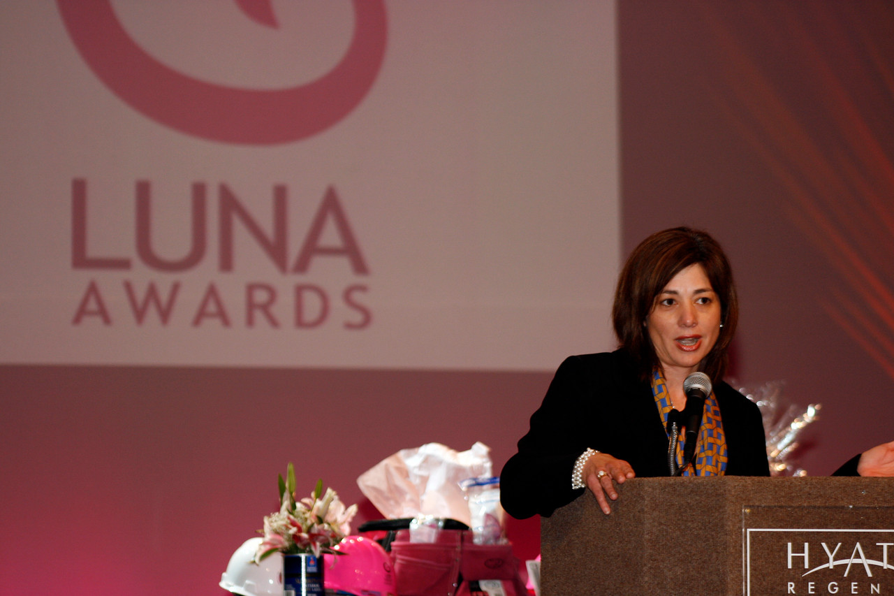 Conference Keynote Speaker Alice Rodriguez at the HCADFW Women's Business Conference and Luna Awards Luncheon