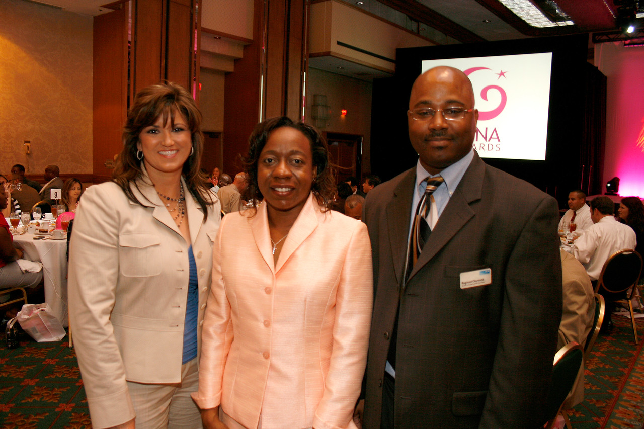 Luna Award Recipient Leah Gentzler, Gentzler Electric Services, Inc.; Tameka Sadler, SSP Consulting and Conference Committee Member; and Reginald Cleveland, DFW Airport