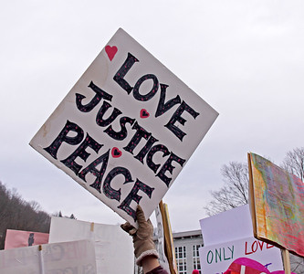 Womens March 2017 love justice peace IMG_2004