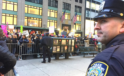IMG_4600_2017-01-21_WMNYC_Protest_NYPD