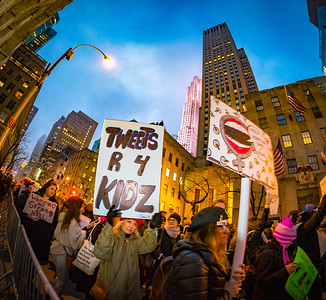 2017-XE2S2885_2017-01-21_WMNYC_Protest-333-20170121