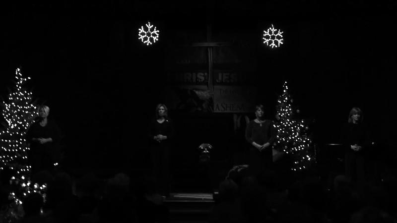 Advent - B&W