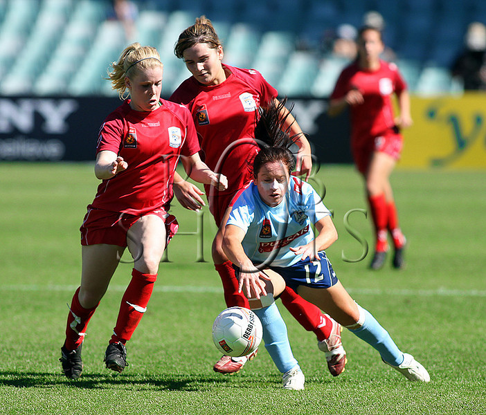 Michelle Carney - Sydney F.C - Action from Westfield W-League Round 5 match between Sydney F.C and Adelaide United played at the Sydney Football Stadium on the 1st November 2009. The match was won by Sydney F.C 6-0 (PHOTO: ROB SHEELEY - SMP IMAGES) These images are intended for editorial use only (e.g. news or commentary print or electronic). Any commercial or promotional use requires additional clearance.