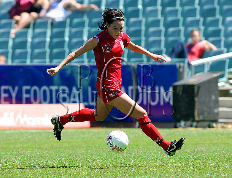 Donna Cockayne - Adelaide United - Action from Westfield W-League Round 5 match between Sydney F.C and Adelaide United played at the Sydney Football Stadium on the 1st November 2009. The match was won by Sydney F.C 6-0 (PHOTO: ROB SHEELEY - SMP IMAGES) These images are intended for editorial use only (e.g. news or commentary print or electronic). Any commercial or promotional use requires additional clearance.