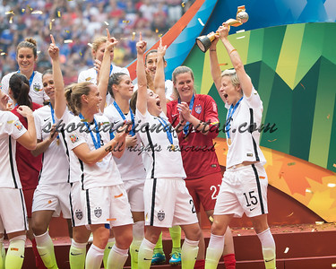 US players celebrate