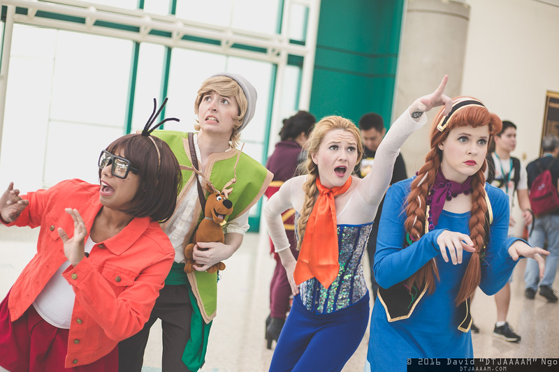 Velma Dinkley, Shaggy Rogers, Fred jones, Daphne Blake, and Scooby-Doo