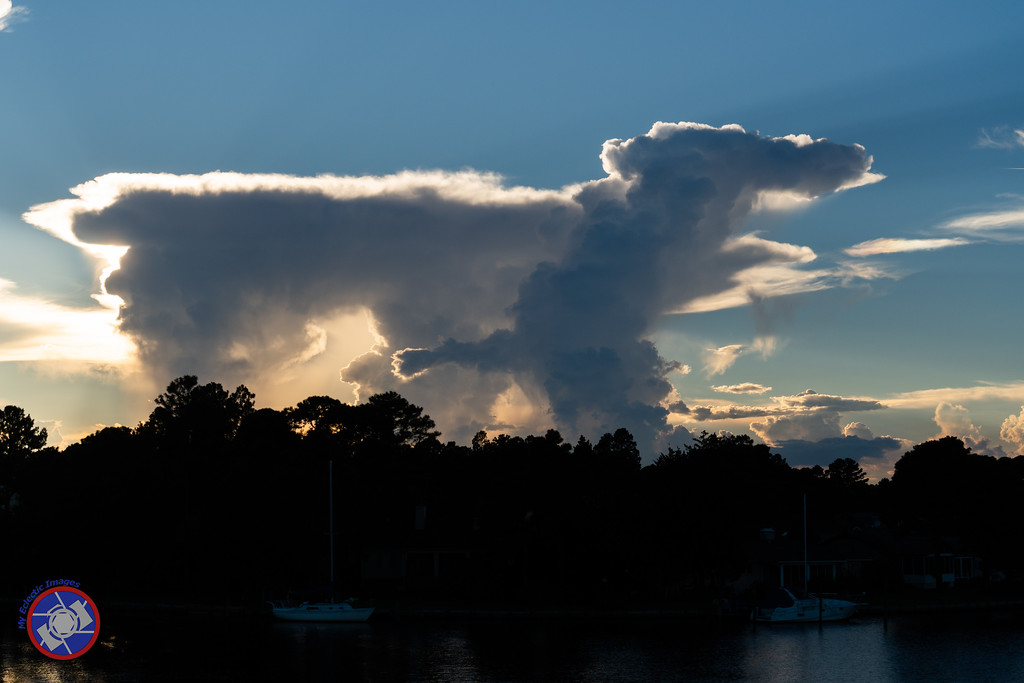 That Cloud Looks Like a Dog (©simon@myeclecticimages.com)