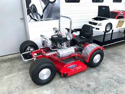 Now THAT'S a racing lawnmower!
