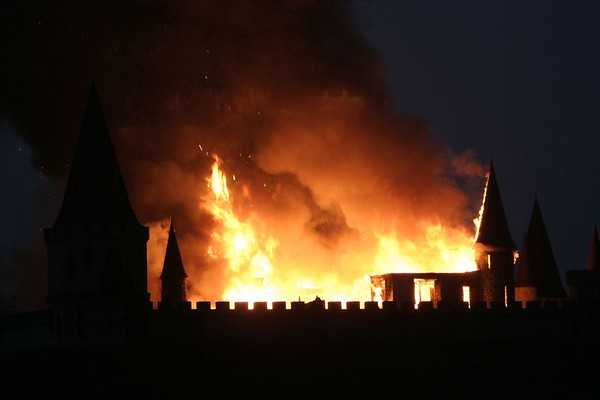 Woodford County Castle Fire