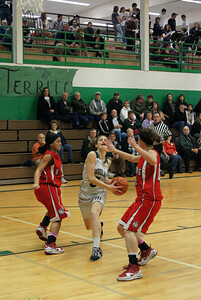 Var Girls Vs Ra Long 2-4-10 011