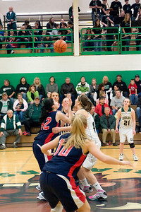 Varsity Girls Vs Black Hills 2-26-10 019