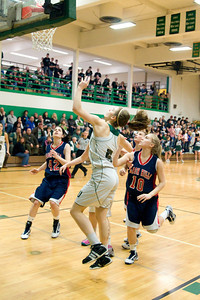 Varsity Girls Vs Black Hills 2-26-10 033