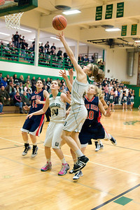 Varsity Girls Vs Black Hills 2-26-10 032