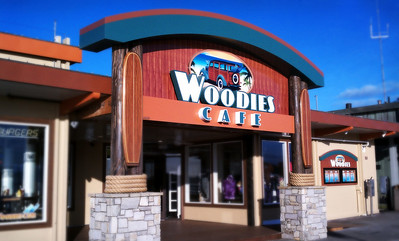 https://www.i5design.com/portfolio/restaurant-design/woodies-cafe/