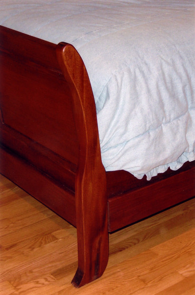 Sleigh Bed <br /> Foot Detail